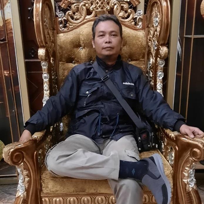Bambang Lukman Malik, S.E